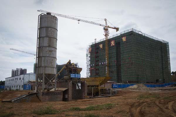 湖南贫困县耗资2亿政府大楼 打着建设小区的幌子迷惑外人