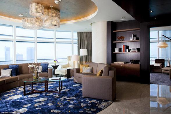 紫檀木阿布扎比酒店的皇家套房——阿拉伯联合酋长国