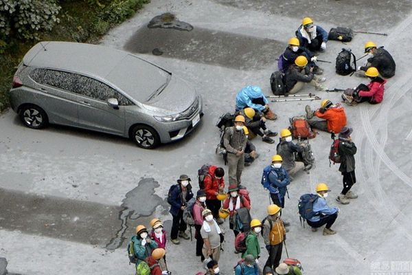 日本 岳山/被困山中小屋的2登山者当天上午已全部下山(图片来源于网络)