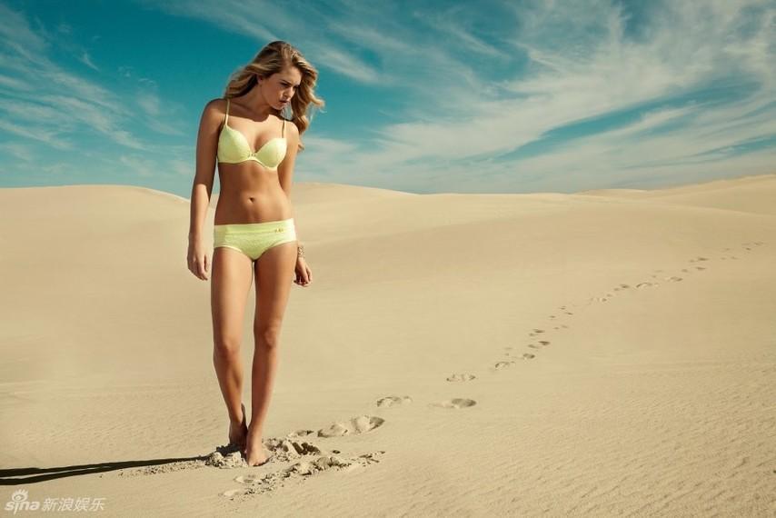 南非超模罗斯性感写真曝光 置身沙滩秀丰乳肥