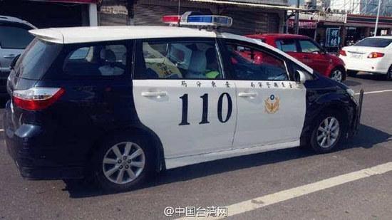 大写的糗!警察打110报警 警车被上铐囚犯开走