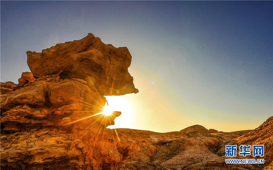 千里追尋 大漠深處的絕美雅丹