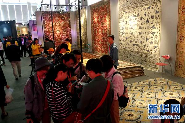逾30国客商云集青藏高原探索地毯产业发展新模式