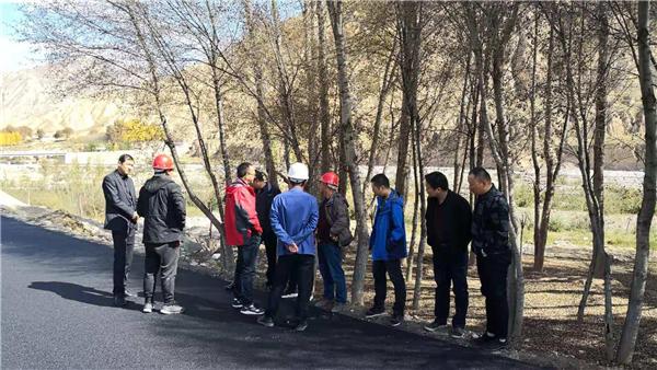 """青海省交通运输厅到贵德县县检查""""四好""""农村公路工作"""