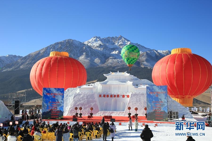 雪山、冰雕、滑雪……冬日祁连旅游的正确打开方式
