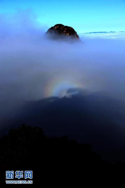 安徽黄山风景区雨过天晴