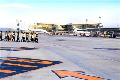 青海省西宁曹家堡机场二期工程昨投运