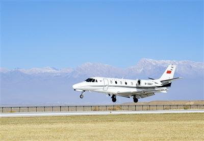 新建德令哈机场跑道长度3000米