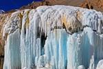 七彩冰瀑,崗什卡雪峰下的一片艷麗