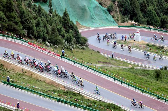 自行車——第十六屆環青海湖國際公路自行車賽第八賽段賽況