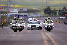 【天翼4G连线环湖赛】环湖赛上的摩托骑士:保驾护航十六载 直面风和雨