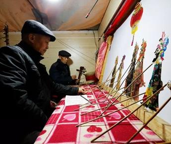 門源︰皮影戲讓群眾在家門口(kou)盡(jin)享(xiang)文化盛宴