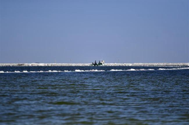 察爾汗鹽湖美景引客來