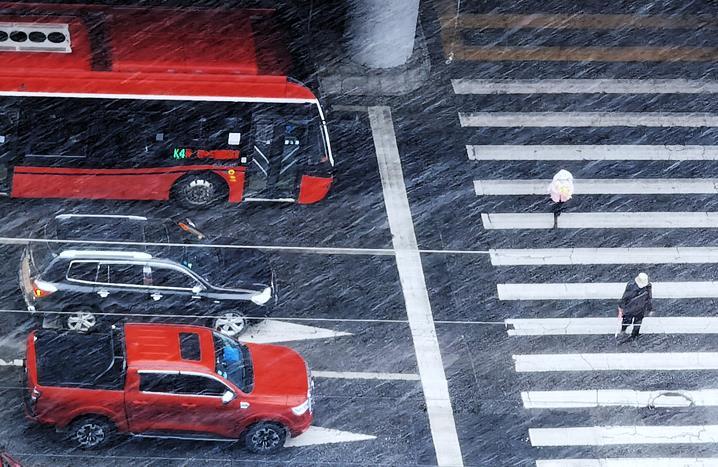 """下雪了!青海多地解鎖""""雪景模式"""""""