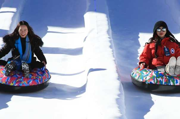 雪山、冰雕、滑雪……冬日祁連旅遊的正確打開方式