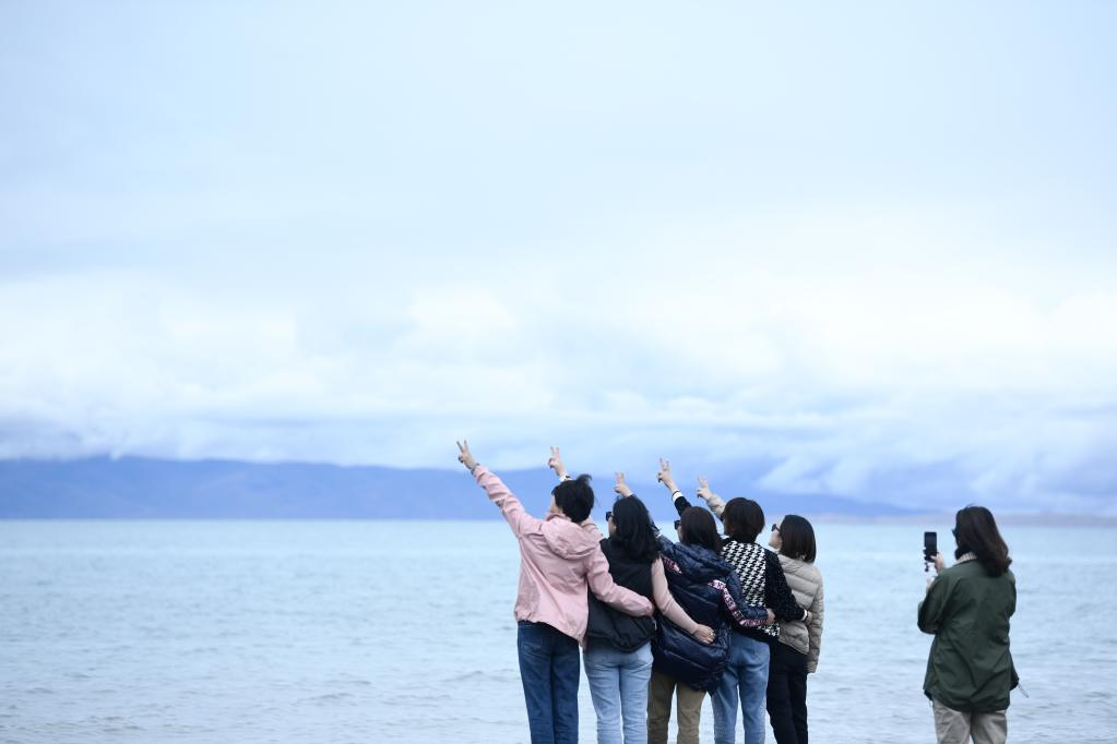 (新華全媒+)天空之眼瞰青海湖——高原大湖的美麗蝶變