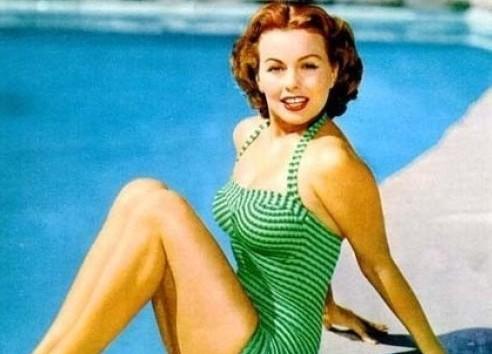 老照片中的欧美泳装美女